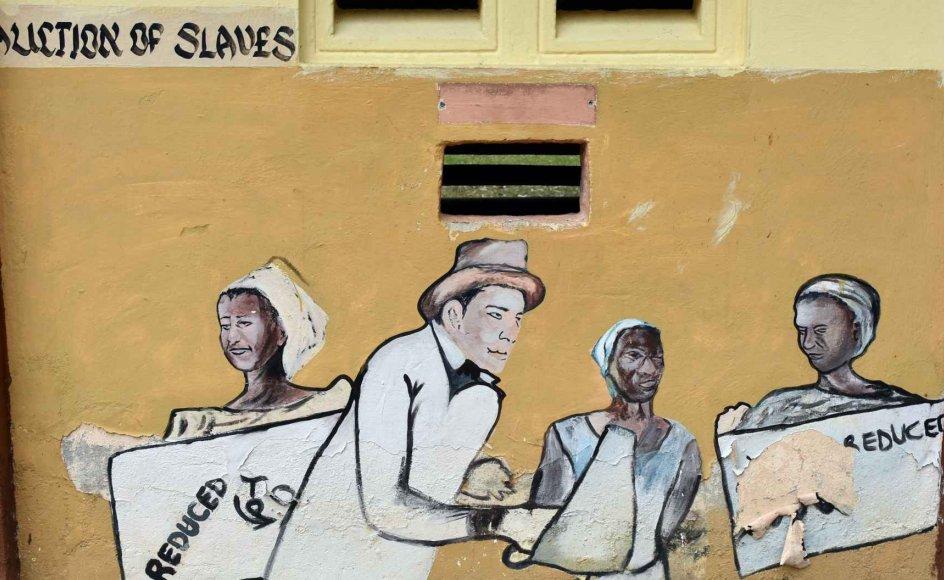 Ord slår dog ikke altid til, når fortidens koloniale synder ønskes sonet. Også spørgsmålet om økonomisk erstatning bringes hurtigt på banen, hvilket man ud over i debatten om Danmark og De Vestindiske Øer netop nu også oplever hos en anden europæisk tidligere kolonimagt, Tyskland. Billedet er fra Ghana.