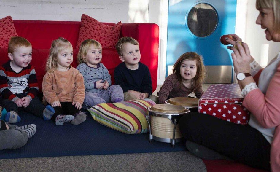 """""""Min undersøgelse fokuserer på sammenhæng mellem lydstruktur og sprogtilegnelse og bekræfter en hypotese om, at danske børn er bagud på grund af lyd,"""" siger Fabio Trecca, videnskabelig assistent."""