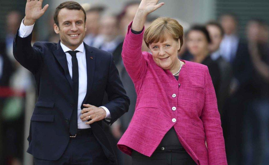 """""""Sjældent har Angela Merkel modtaget en udenlandsk statschef med så åbne arme. Hun smilede og strålede"""", kommenterer dagbladet Frankfurter Allgemeine Zeitung."""