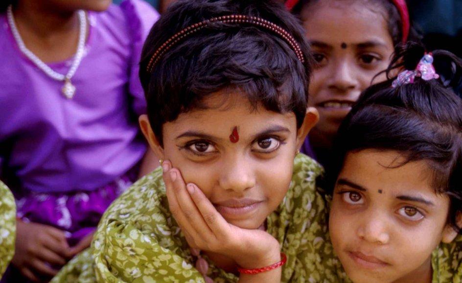 Indiske familier betragter mere deres nyfødte pigebørn som en byrde end som en gave. Billedet her er fra Sankt Annes Børnehjem i den indiske delstat Kerala.