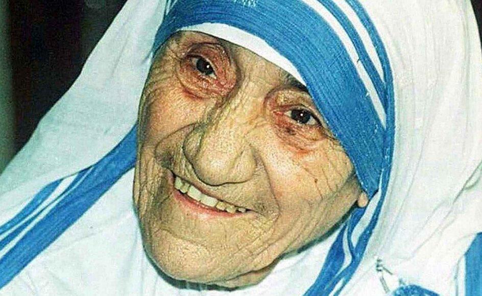 Breve fra nonnen og Nobelprismodtageren moder Teresa viser, at hun i årtier var fortvivlet over at befinde sig i et religiøst mørke. –