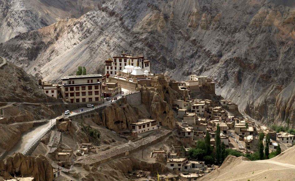 Lamayuru er Ladakhs ældste kloster og kan dateres cirka 1000 år tilbage i tiden. --