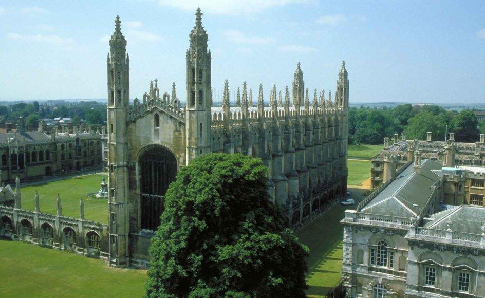 På læserrejsen besøger vi blandt andet det imponerende Kings College Chapel i Cambridge. Bygningen blev påbegyndt af Henrik VI i 1446, og det tog over 100 år, inden den stod færdig. --