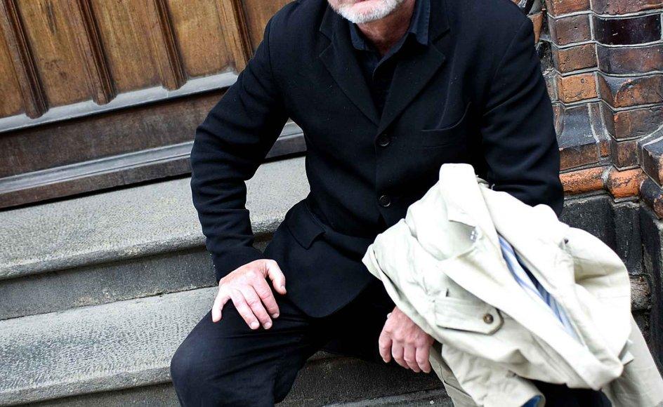 """""""Det at være religiøs hører bare til det at være menneske. Mennesket må tro. Hvis man hele tiden vidste alt, så var man ikke længere et menneske. Og de, der fravælger tro, er halve mennesker,"""" siger Tomas Espedal, der i hjemlandet Norge er blevet spået samme fremtid og gennembrud som landsmanden Per Petterson. --"""