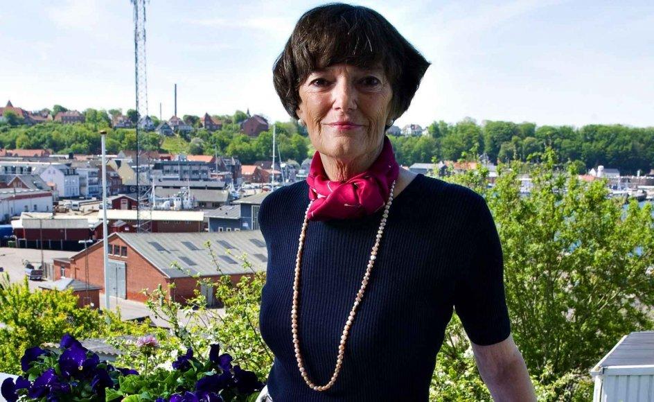 """Jane Aamund bosatte sig for nogle år siden i Lemvig, hvor moderens familie er fra. Moderen kom fra en indremissionsk opvækst, og selv har Jane Aamund altid haft den kristne tro med sig: """"Det har givet mig tryghed, at jeg har nogen at bede til og ikke er alene i lidelsen."""" --"""