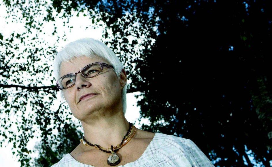 I mange år har der været mørke skygger over den 56-årige Gunhild Aaen Madsens liv. Hun er vokset op i et indremissionsk hjem i en lille fiskerby, Strandby, nord for Frederikshavn. I dag bor hun i Bramming ved Esbjerg med sin mand. Hun har i størstedelen af sit liv kæmpet med homoseksuelle følelser, men erkendte først disse følelser sent i livet som hustru og mor til fire børn. I loyalitet over for sit kirkelige ståsted valgte hun den homoseksuelle side fra og lever stadig i ægteskabet med sin mand. Ifølge hende selv er hun lykkeligere end nogensinde, selvom hun ikke kan svare klart på, om hun er homoseksuel eller heteroseksuel.
