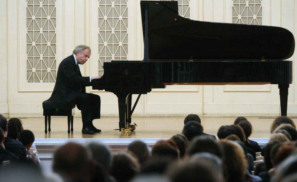 Pianisten Andras Schiff ved en koncert i Sankt Petersborg.