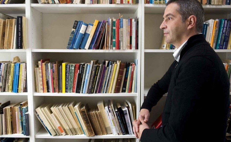 """""""Kunst er en vigtig del af samfundet, selvom det ikke er alle, der anvender den. God kunst skaber et bedre og mindre hårdt samfund,"""" siger Forfatter-skolens rektor, Pablo Llambías."""