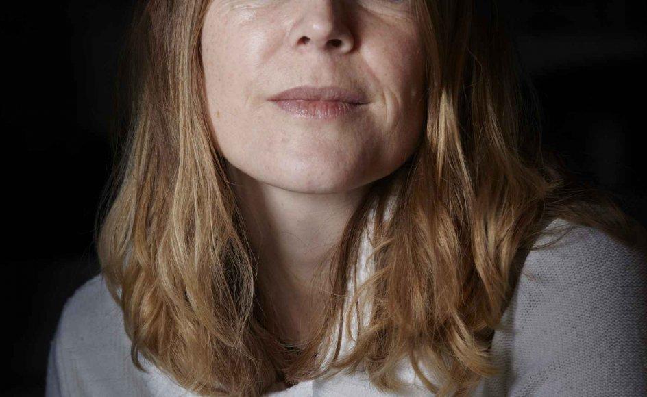 """""""I mange år så jeg mig selv som et ondt, koldt og kynisk menneske, og jeg mente ikke, at jeg havde ret til at få et godt liv nogensinde efter det, jeg havde gjort,"""" siger Anne Marie Eriksen, der er aktuel med en ny digtsamling. –"""