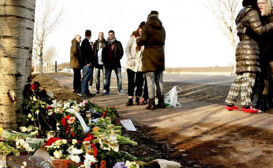 På Køgevej syd for Roskilde natten mellem lørdag d. 25. og søndag d-26 februar 2012 kørte fire unge mænd galt og blev dræbt. Da sognepræst Kristine Stricker Hestbech i Havdrup søndag fik den tragiske melding om de fire unge drenge, der var kørt i døden, tog hun en hurtig beslutning om at holde åben kirke.