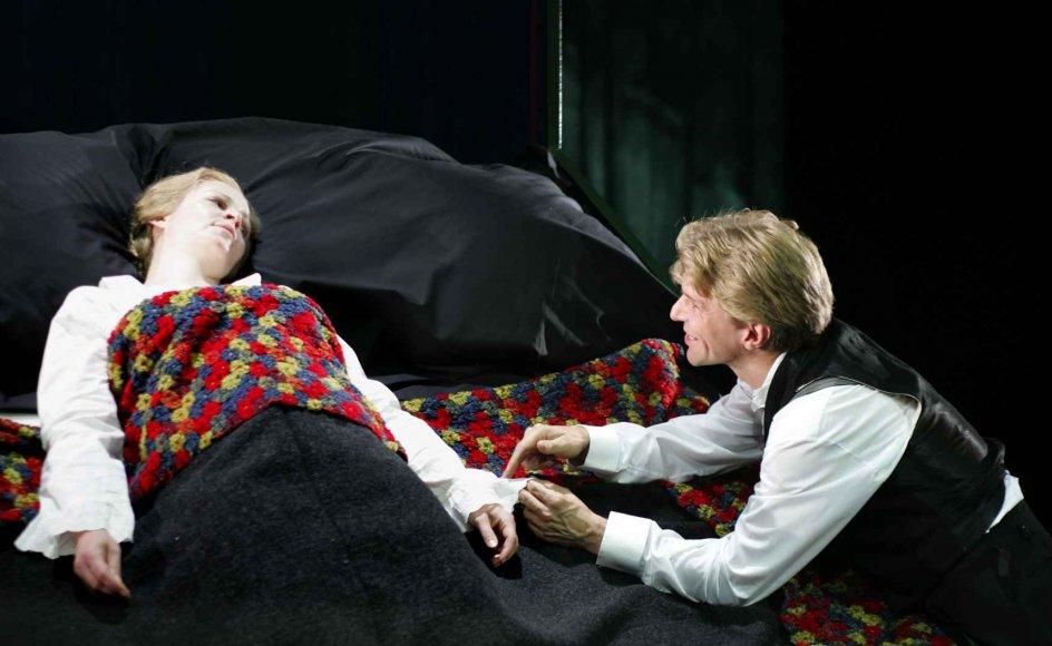 Lykke-Per vinder global anerkendelse. Her en opførelse på Aalborg Teater af Pontoppidans mesterværk.