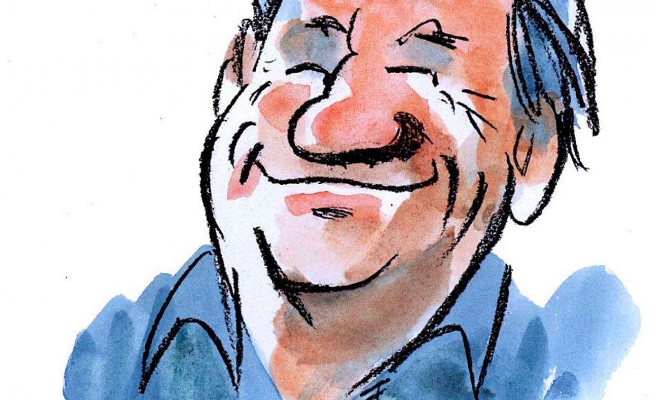 Franz Füchsel har formået at grine sig til en ribbensskade. Så har man det sjovt med sit arbejde. Her ses et selvportræt. – Polfoto.