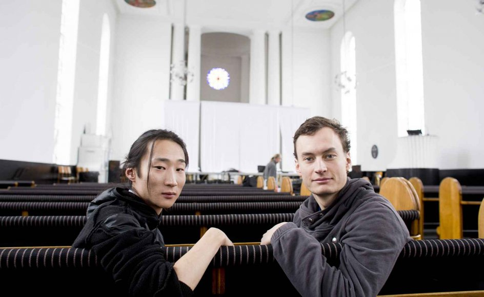 """Troels Primdahl (tv.) og Kristian Schwarz Larsen har sammen skabt forestillingen """"Faldet"""", hvor de giver deres moderne fortolkning af syndefaldsmyten. –"""