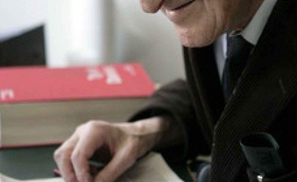 Når man var i tvivl om et ords eksistens, gik man til Arne Hamburger, der på stedet leverede svaret. –