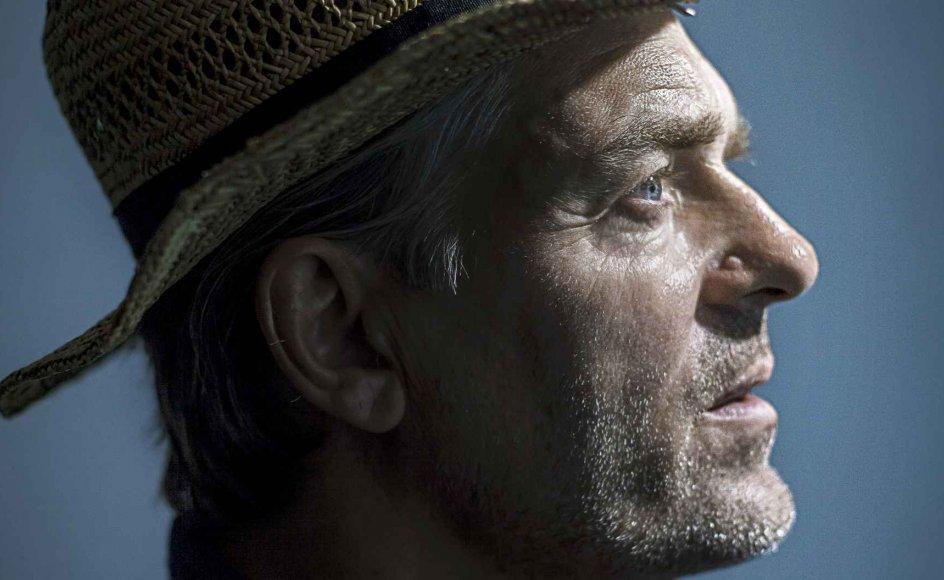 Kunstneren Peter A.G. indleder i morgen en ny solo-koncert-turné.