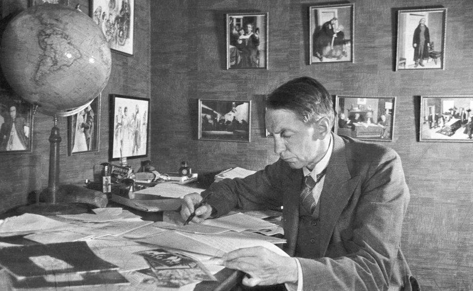 Kaj Munk var sympatisør af nazismens ideologi og Hitler, men erkendte, at han tog fejl, og det førte mere eller mindre til hans markante modstand i form af skuespil, prædikener og taler, skriver Lars Flemming Mogensen. –