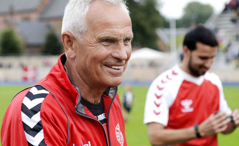 Den tidligere fodboldlandsholdstræner Richard Møller Nielsen er død.