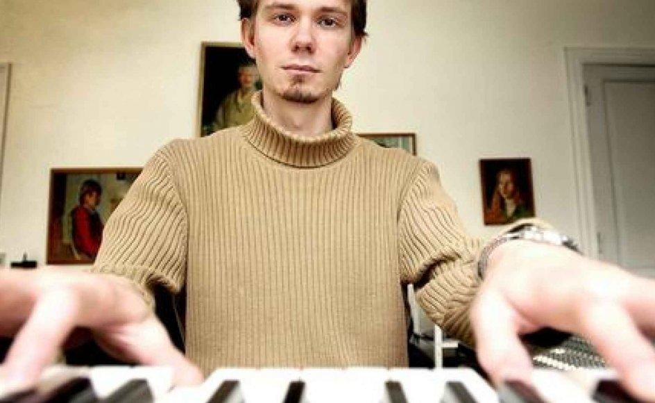 En del af Frederik Magles arbejde foregår dels ved klaveret, dels ved computeren og med nodeskrivningsprogrammet.