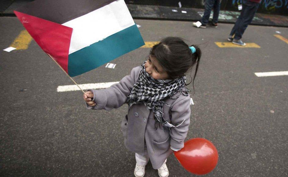 Pige med det argentinske flag