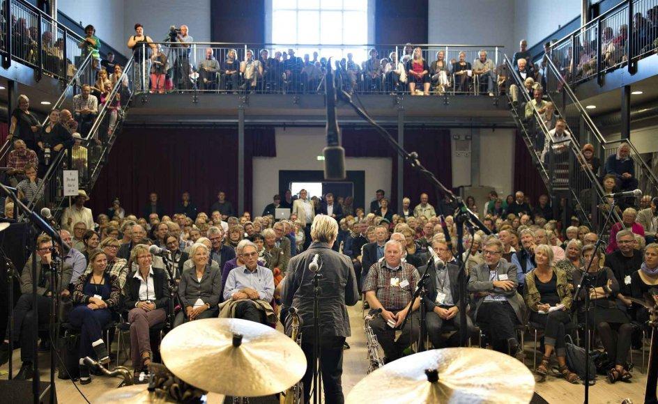 Kulturminister Marianne Jelved (R) havde idéer men ingen penge med til Kulturmødet Mors, der allerede ligner en institution i kulturlivet. - Fotos: Scanpix.