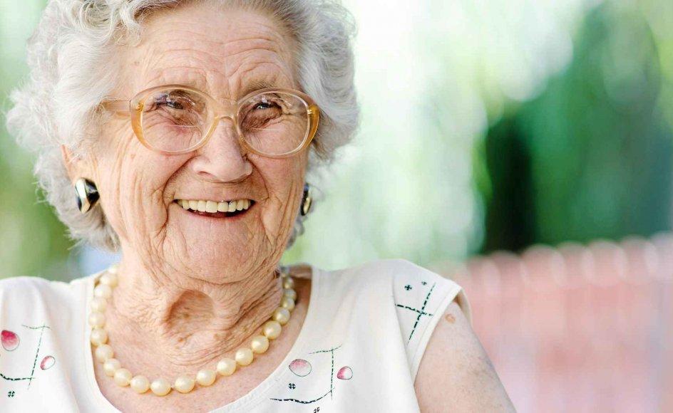 At græde og grine er to varianter af samme reaktion på, at vi er blevet påvirkede på en måde, vi ikke havde forventet. Samme reaktion ses hos flere dyr, blandt andet gibbonaben. Klik på pilen for at se alle billeder. -