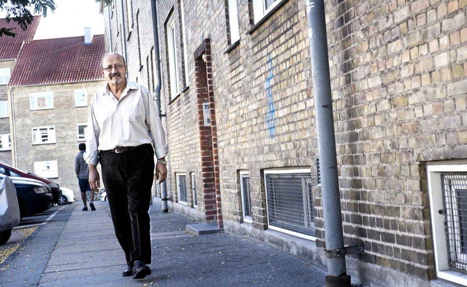 Adnan Dahan, formand for Tværkulturelt Center, har boet stort set hele sin tilværelse med familien i det nordvestlige København med de mange nationaliteter, efter at de alle måtte flygte fra Bagdad i Irak på grund af dødstrusler. -