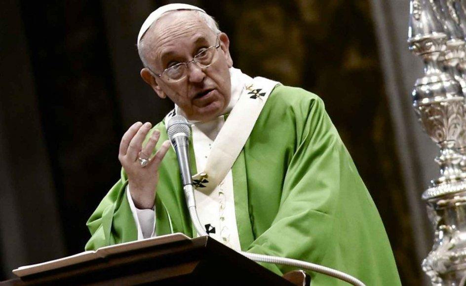 Med Pave Frans lægger den katolske kirke en langt mere barmhjertig og forsonende linje for dagen end tidligere, når det gælder synet på homoseksuelle, mener eksperter.