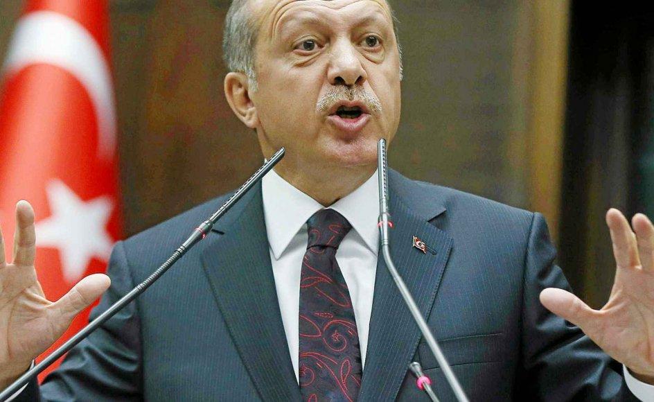 """""""I marts udsendte Tyrkiets lægeforening en pressemeddelelse, der udtrykte alvorlig bekymring for Erdogans sindstilstand,"""" skriver kommentator Robert Ellis. Arkivfoto."""