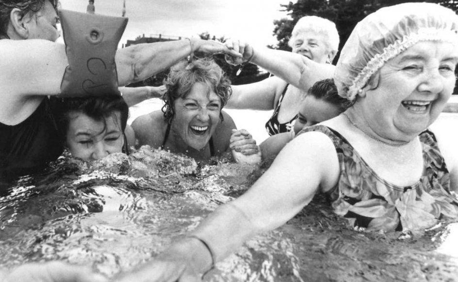 Både forskning og erfaring siger os, at ældre kan være bedre til at nyde livet.