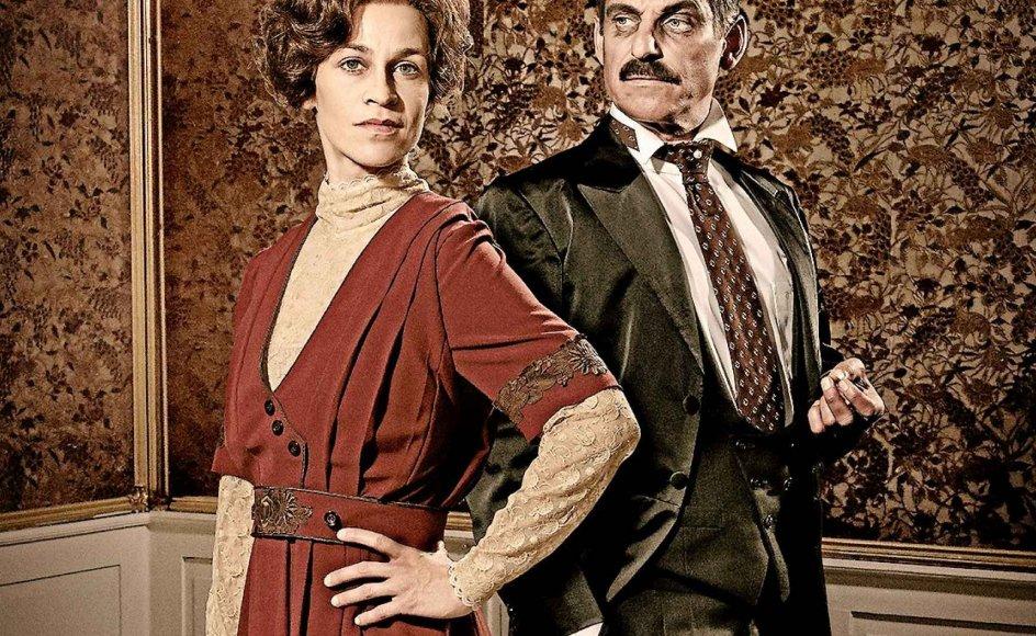 """Karin Bang Heinemeyer og Ole Lemmeke fylder rollerne godt ud som henholdsvis """"Betty og Bang""""."""