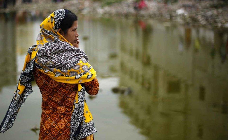 Over en million mennesker mister livet hvert år i arbejdsulykker i Asien, hvor sikkerheden ofte betragtes som en bremse på den økonomiske vækst. I alt blev 2500 kvinder såret og 1138 dræbt i det, som er en af Asiens værste industriulykker hidtil. Arkivfoto.
