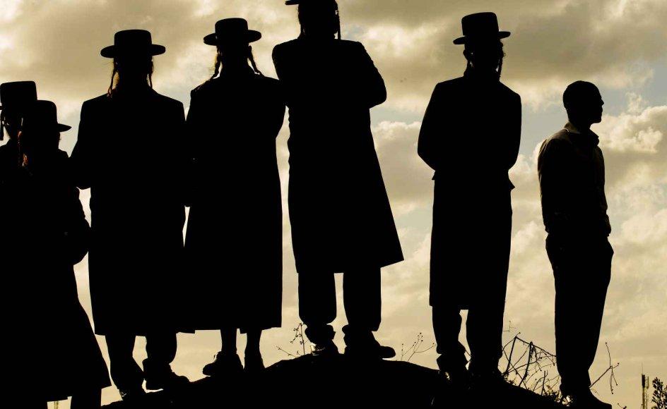Konflikten mellem sekulære og ultraortodokse jøder i Israel er blevet mere udtalt, i takt med at antallet af ultraortodokse vokser. Ultraortodokse udgør nu otte procent af befolkningen i Israel. -