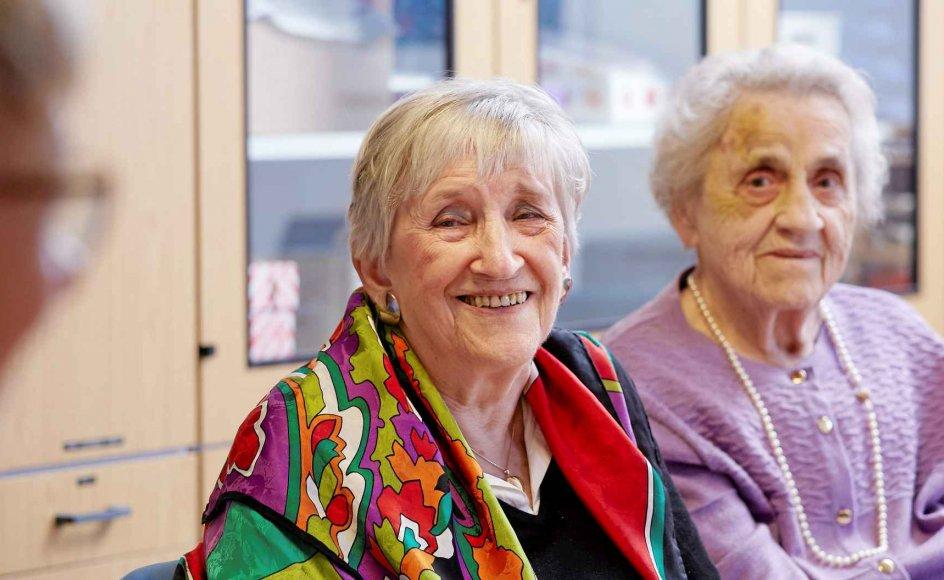 Villi Plöen Thomsen (tv) og Edith Madsen (th). De kendte ikke hinanden, men i forløbet fandt de ud af, at de har gået i klasse sammen i 3. og 4. klasse. Klik på pilene i billedet for at se et billede mere.