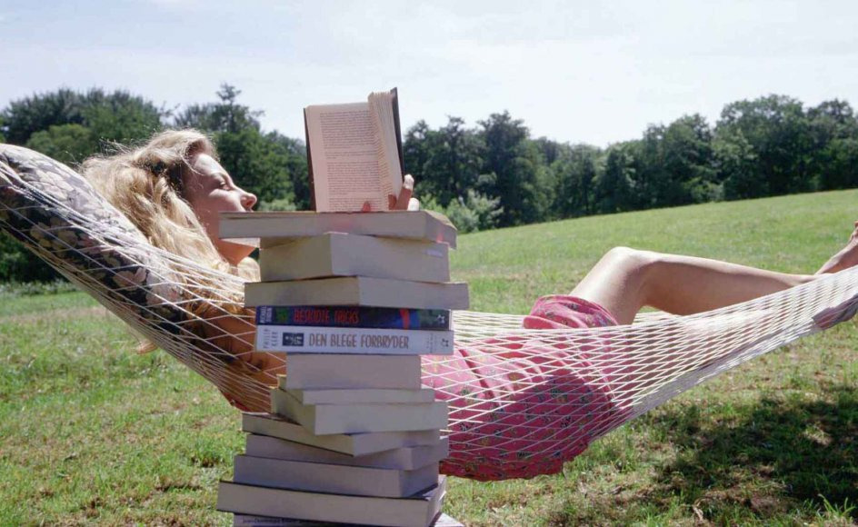 Mange har personlige læsesteder, de sætter ekstra stor pris på - en øde strand, et sommerhus, en hængekøje.