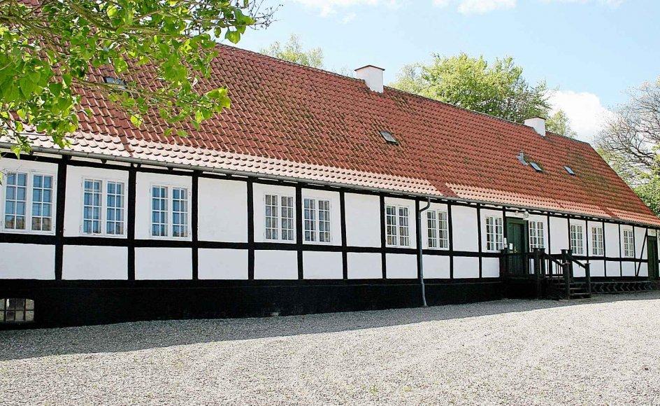 Jyderup Præstegård fra 1808 er fundet bevaringsværdig, men står til at blive revet ned. Den er for gammel og for dyr i vedligehold, lyder det.