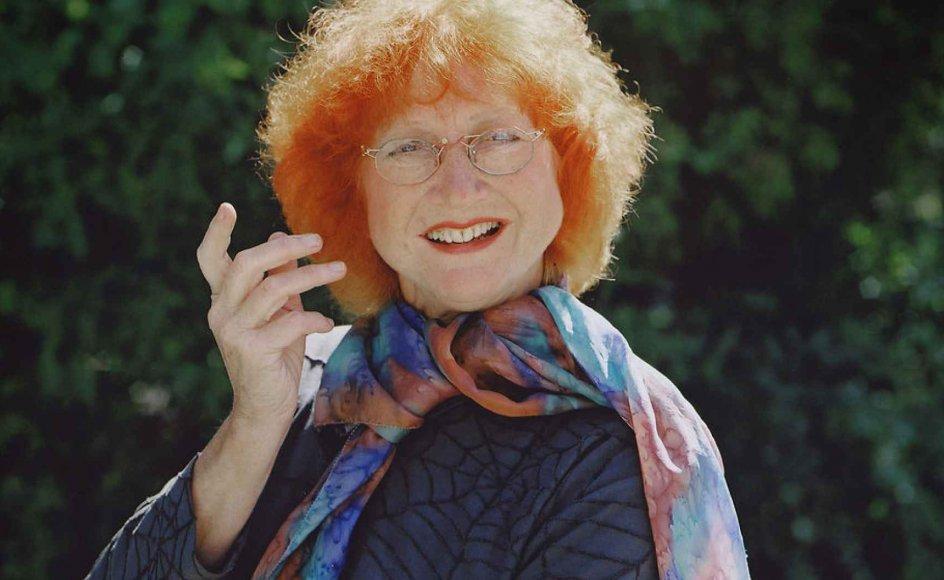 Humor hjælper os med at leve, og den er en stor befrier, siger Jytte Abildstrøm om humorens kraft.