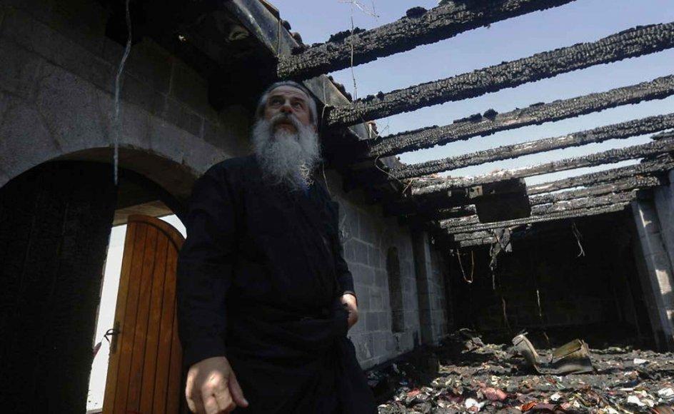 Jødiske ekstremistiske grupperinger formodes blandt andet at stå bag brandattentatet på kirken for Jesu bespisningsunder i Nordisrael for godt en måned siden.