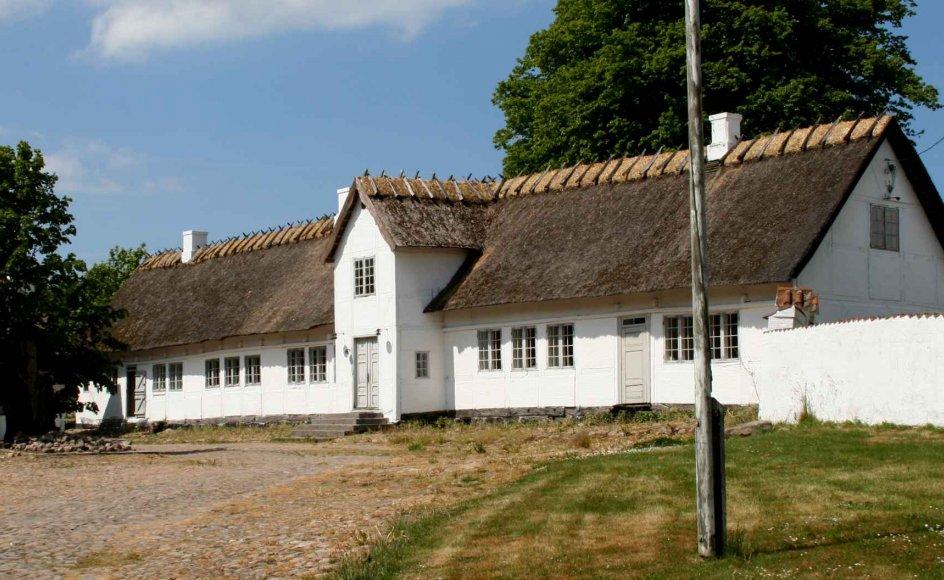 Stuehuset på Hjembæk præstegård lidt uden for Holbæk er opført tilbage i 1700-tallet, men den fredede bygning kommer ikke til at være hjem for flere præstefamilier.
