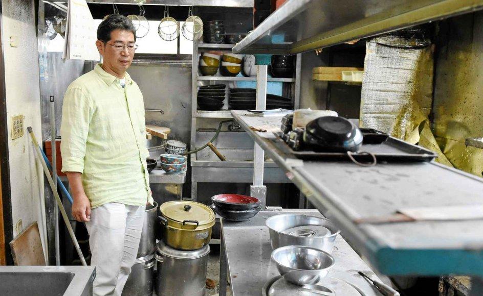 """""""Restauranten var hele mit liv,"""" siger Satoru Yamauchi, som umiddelbart ikke har mod på at ven-de tilbage til sin nudel-restaurant. Selvom han gerne må."""