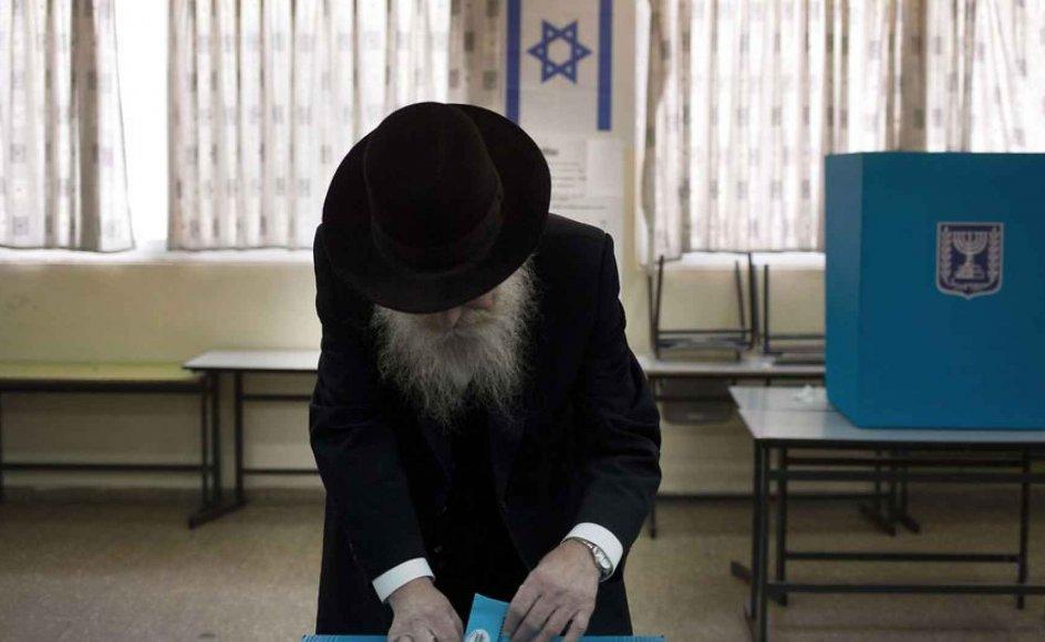 """""""En varig fred mellem Israel og palæstinenserne opnås kun gennem direkte forhandlinger mellem parterne. Forhandlinger, der naturligvis må bygge på en anerkendelse af modpartens eksistensberettigelse,"""" skriver formanden for Fælleskomiteen for Israel."""