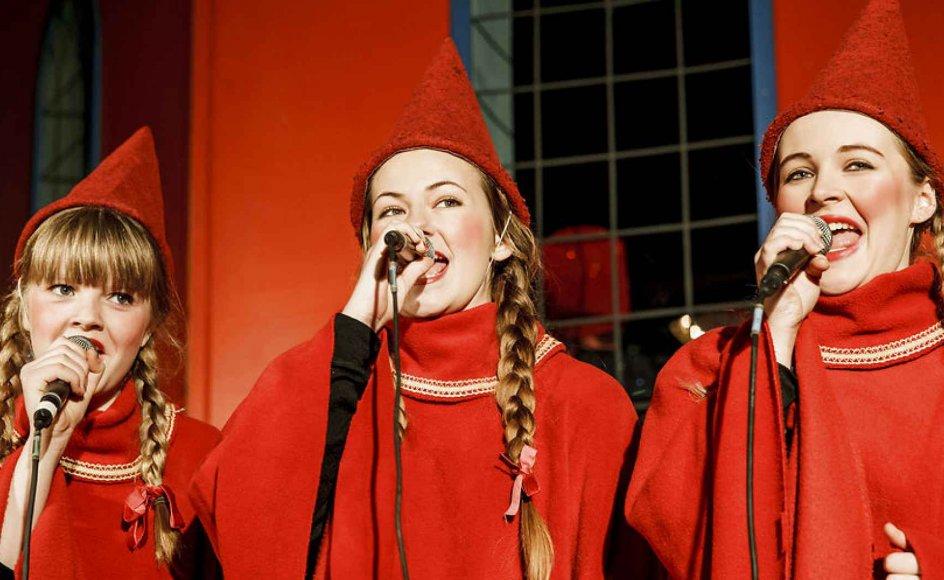 """Til december kan vi synge en ny julesang, der netop er kåret af DR's seere og lyttere. Sangen hedder """"Hvad er det, der gør jul til noget særligt?"""" Læs teksten nedenfor. Arkivfoto."""