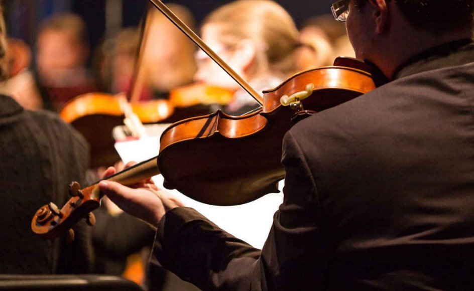 Søren Schauser, kulturjournalist og kritiker, har skrevet en bog om klassisk musiks historie.