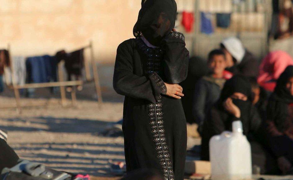 En religiøs bekendtgørelse fra Islamisk Stat gennemgår i detaljer, hvornår og hvordan det er tilladt at have samleje med en kvindelig slave. Her er det fordrevne flygtninge i Aleppo i Syrien.