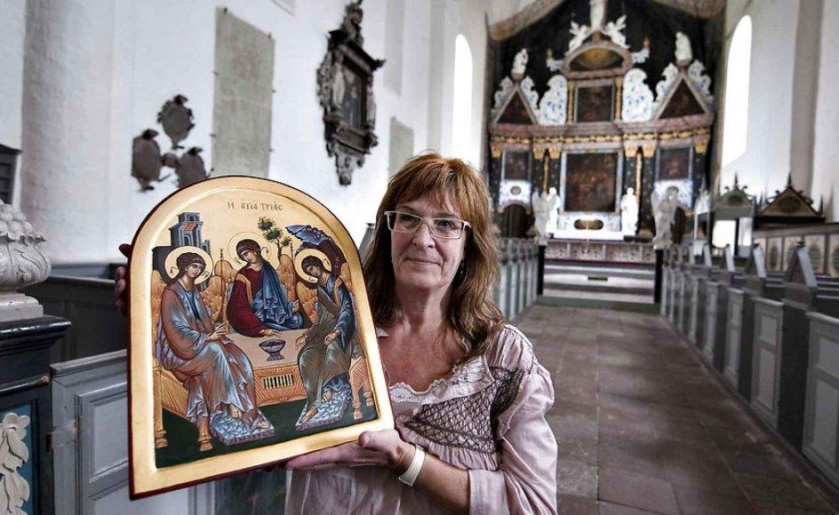 """""""Formålet med ikonmaleriet er at gengive de oprindelige billeder af Jesus. Hvis vi ikke gengiver dem, går de tabt,"""" fortæller Charlotte Weppenaar Pedersen."""