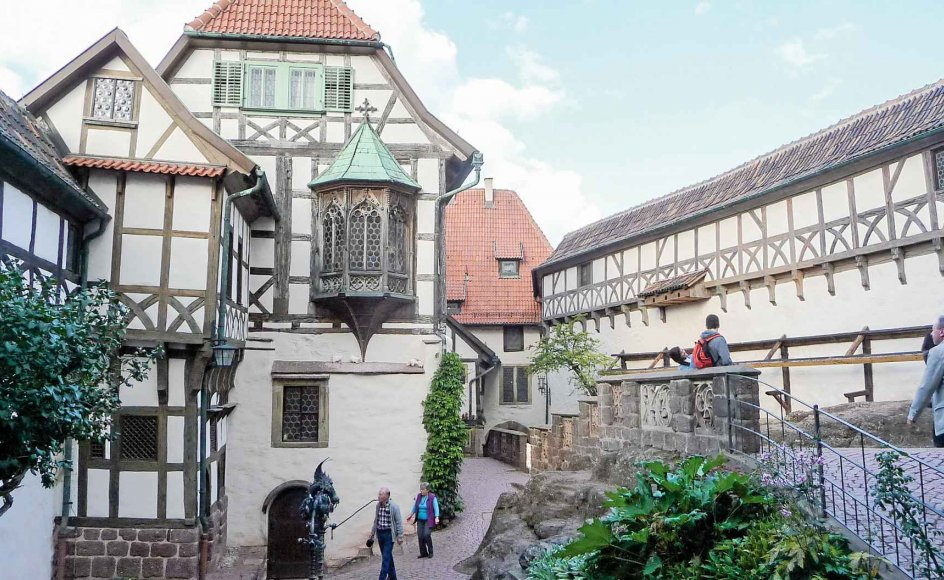 På rejsen besøger vi den smukke by Wartburg.