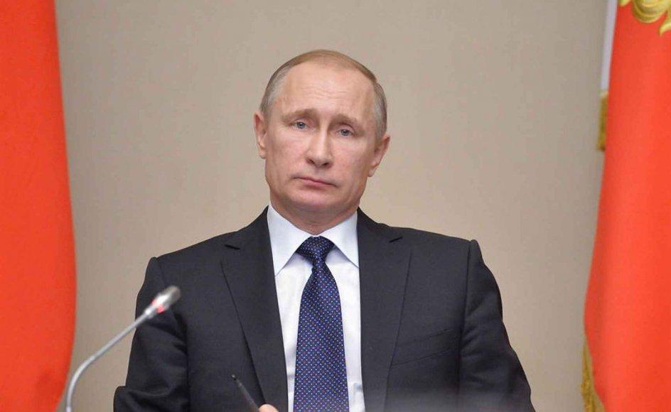 Putin greb muligheden for at fremskynde opløsningen af EU, da først han så den. Han har berettiget sine handlinger med snak om et samarbejde mod en fælles fjende i form af Islamisk Stat. En lignende tilgang har han gjort brug af i Ukraine, hvor han underskrev Minsk-aftalen, men ikke gennemførte dens indhold, skriver filantrop.