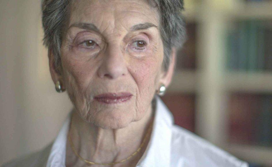 81-årige Renee Rabinowitz vil lægge sag an mod det israelske flyselskab El Al, fordi det har bedt hende skifte plads på anmodning af en ultraortodoks mandlig passager, der ikke ville sidde ved siden af hende.