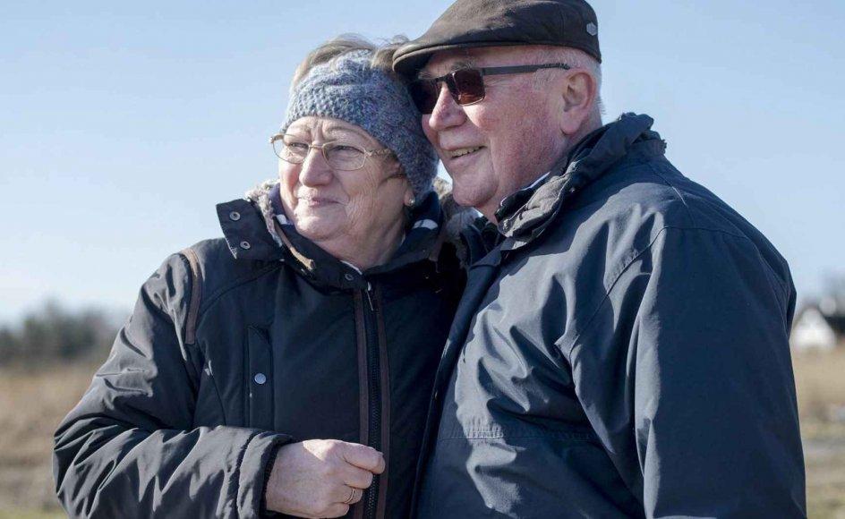Ellen og John Nielsen går ofte tur ved Præstø Fjord for at nyde udsigten og hinandens selskab, men holder alligevel fast i hver deres fritidsaktiviteter, efter at de er blevet pensioneret. –