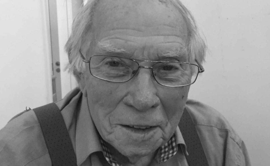 """""""Jeg kan ikke huske, hvad jeg fik at spise i går, men alt det, jeg oplevede i lejren, står klart. Det er, som om sandheden er nemmest at huske,"""" siger tidligere kz-fange Henning Jensen på 95 år."""