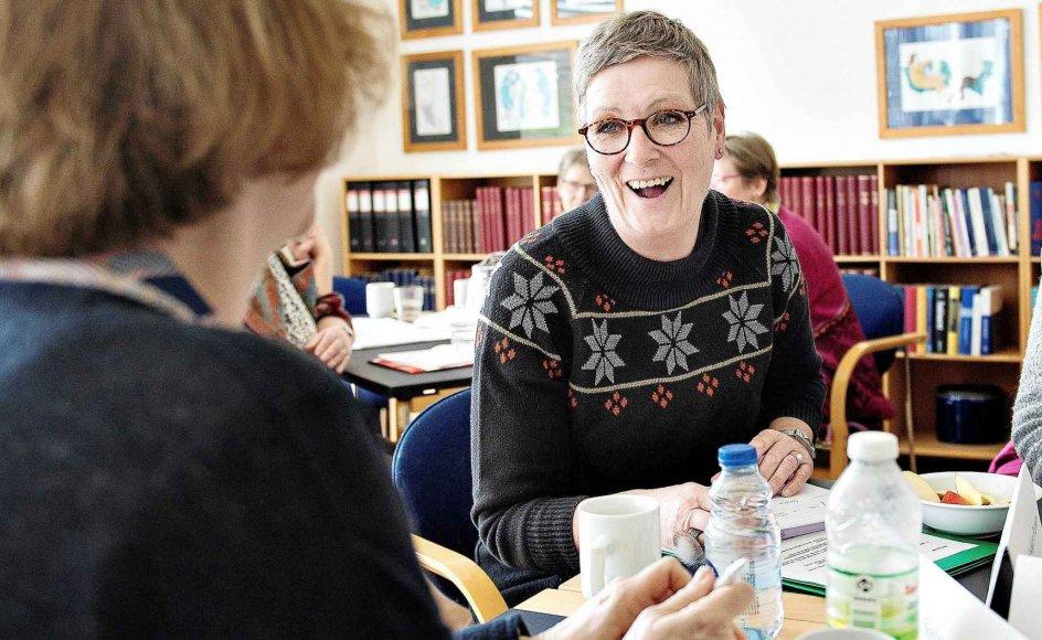Susanne Vestkjær Petersen er 61 år og arbejder som hjemmesygeplejerske. I princippet kunne hun gå på efterløn om et år, og derfor er hun blandt kursisterne til to dages workshop om overgangen fra livet på arbejdsmarkedet til tilværelsen som efterlønner eller pensionist. –